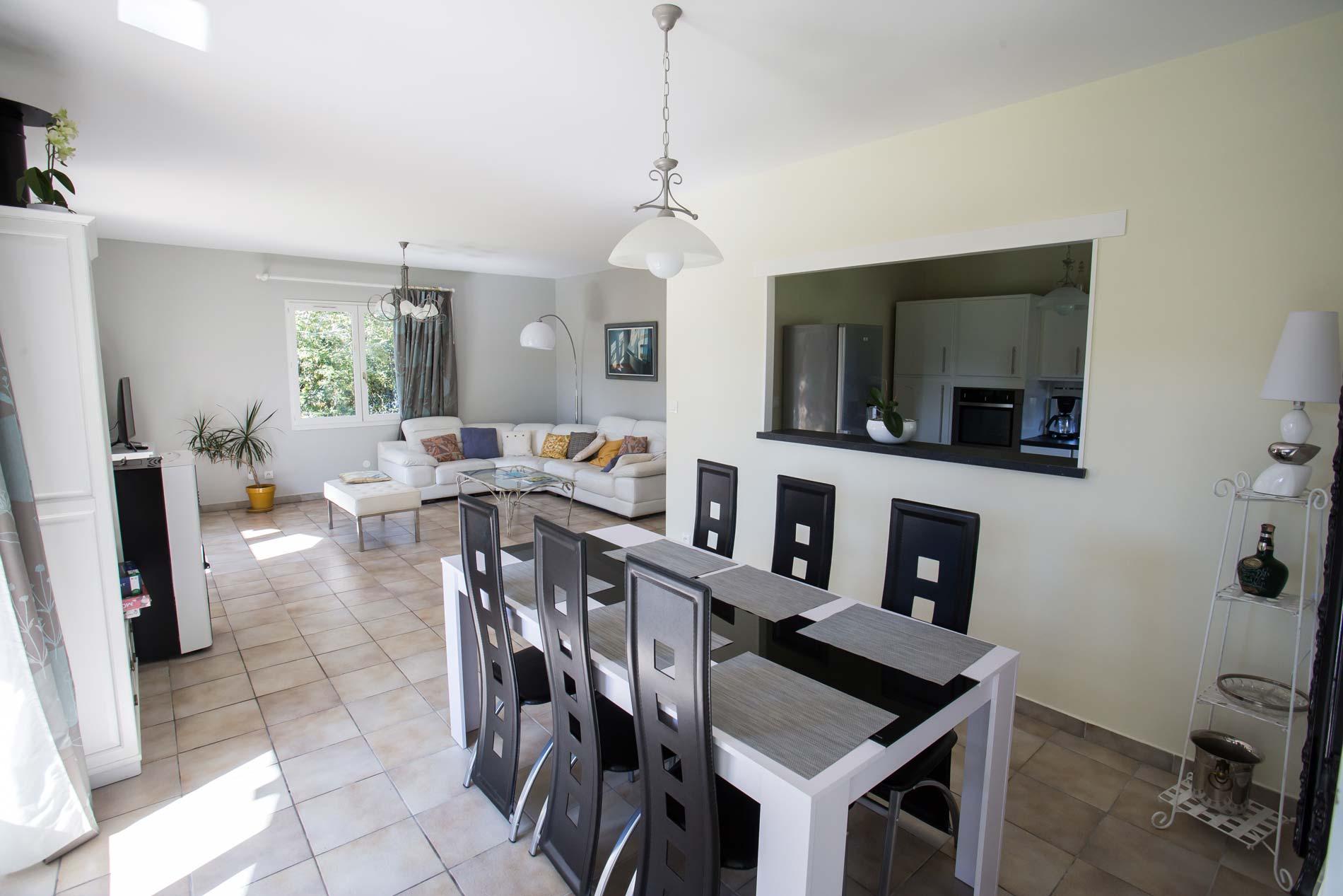 La-Monière-Villa-Salon